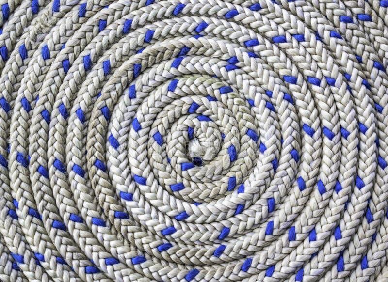 Rundschreiben spiralförmig des Seeseils lizenzfreie stockfotografie