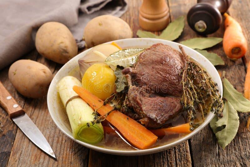 Rundvlees, bouillon en groente stock fotografie