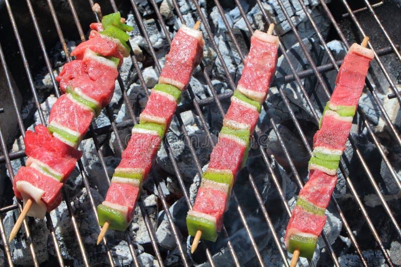 Rundvleesbrochette op barbecue royalty-vrije stock foto's