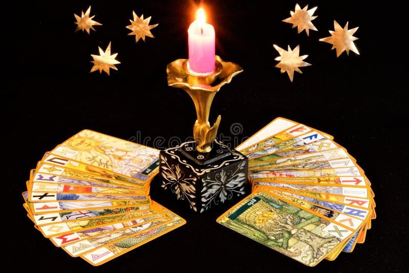 Runes są listami od rodziny antyczni runiczni abecadła fotografia royalty free