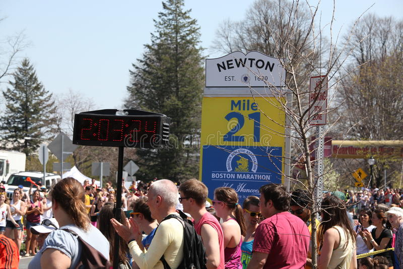 Download Running Past Mile 21 editorial photography. Image of long - 24401277