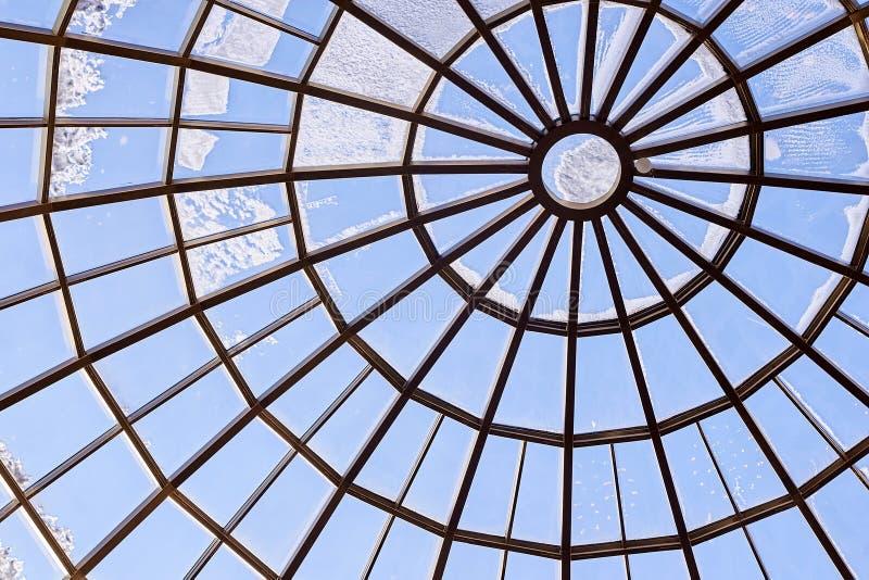 runt glass tak modern arkitektur Blått färgar fotografering för bildbyråer