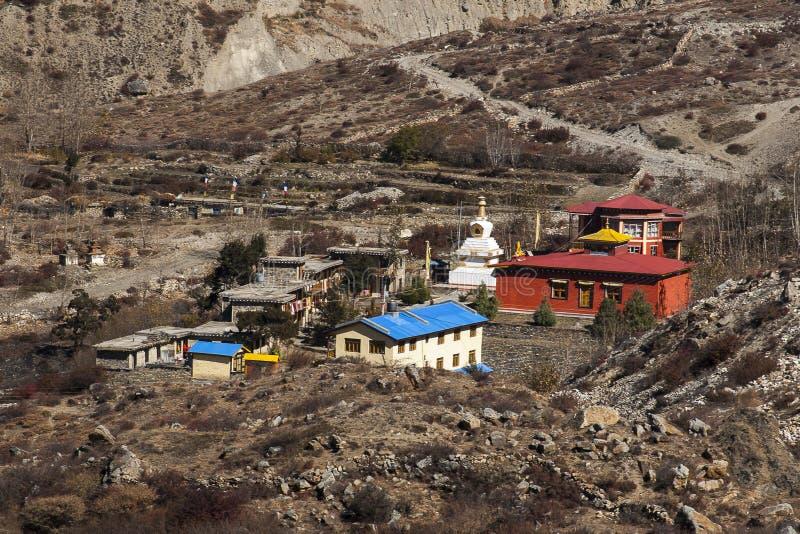 Runt om byn av Muktinath arkivfoton
