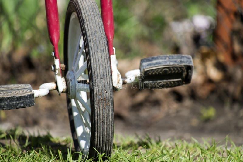 Ruota anteriore con i pedali fotografie stock libere da diritti