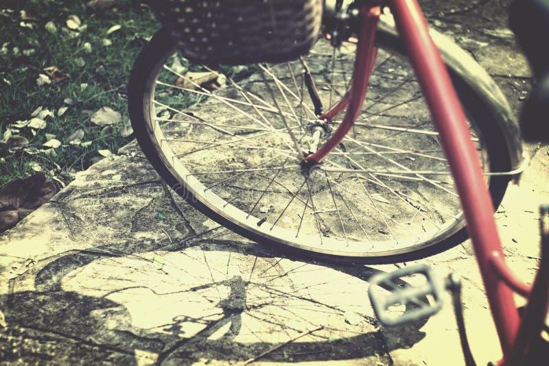 Ruota di bicicletta rossa immagini stock