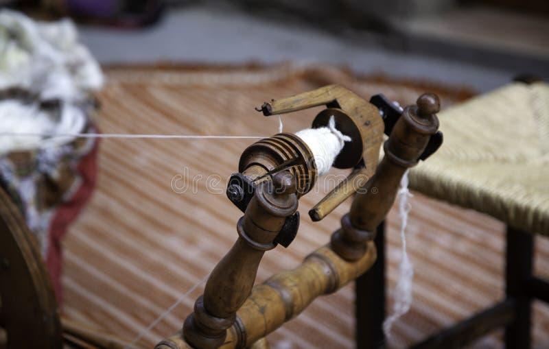 Ruota di filatura fatta a mano fotografia stock libera da diritti