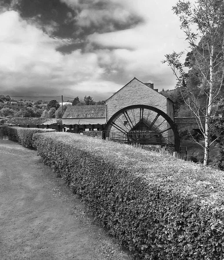 Ruota idraulica ad un mulino Irlanda del lino fotografia stock