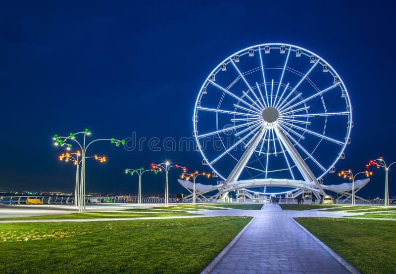 Ruota panoramica al boulevard del mare fotografie stock