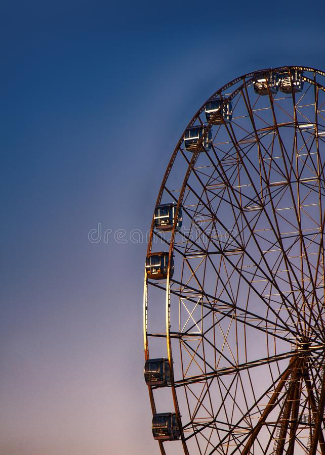 Ruota panoramica, grande ruota, costruzione del metallo fotografia stock