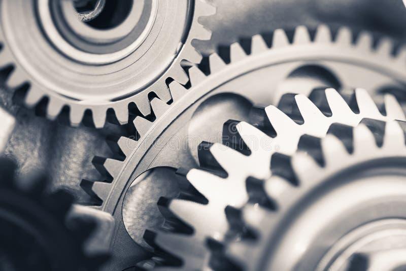 Ruote di ingranaggio del motore, fondo industriale fotografia stock libera da diritti