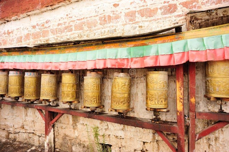 Ruote di preghiera tibetane buddisti fotografia stock libera da diritti