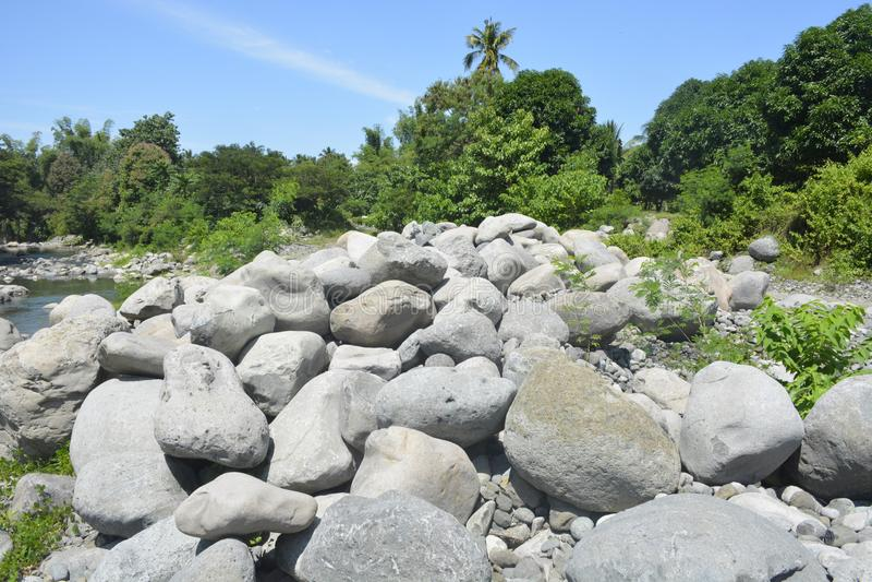 Ruparan河岸位于barangay Ruparan, Digos市,南达沃省,菲律宾 图库摄影