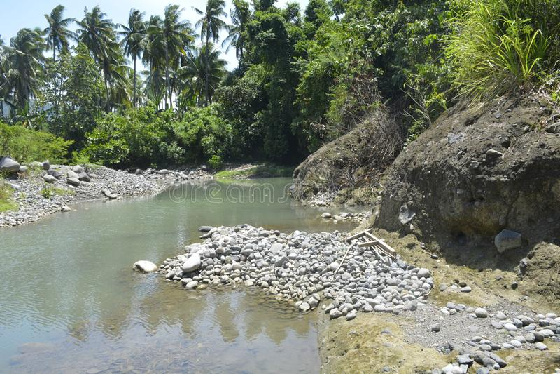 Ruparan河岸, Digos市,南达沃省,菲律宾的被淤积的部分在barangay Ruparan的 库存图片