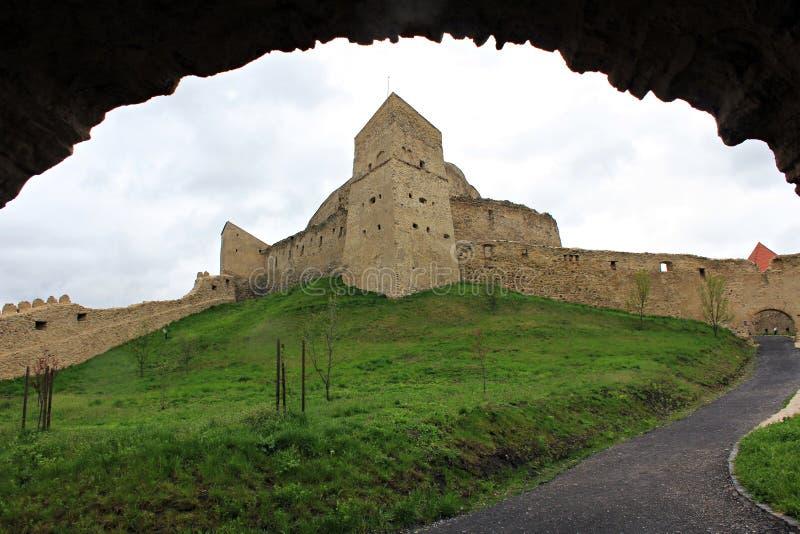 Rupea fästning (fördärvar) - Transylvania royaltyfri bild