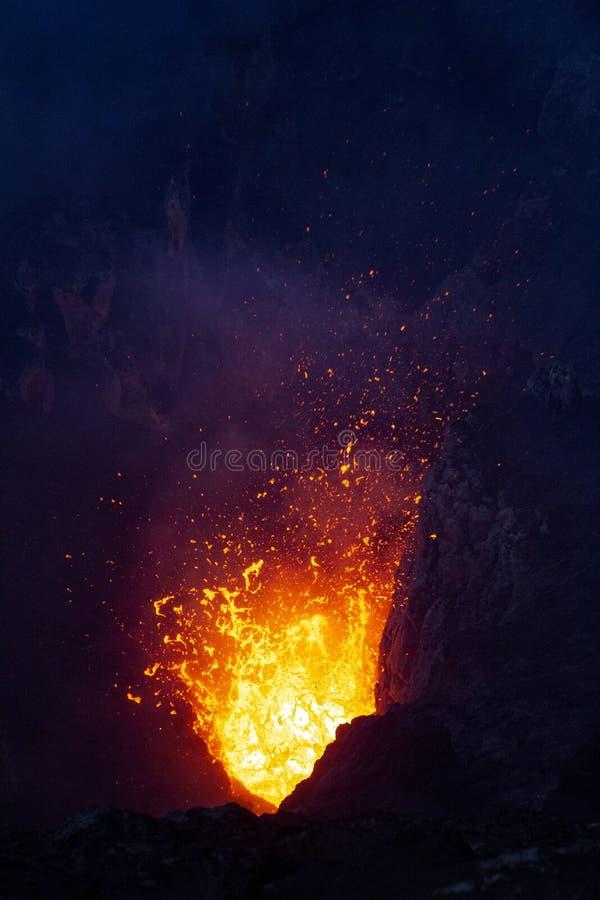 ?ruption de volcan image libre de droits