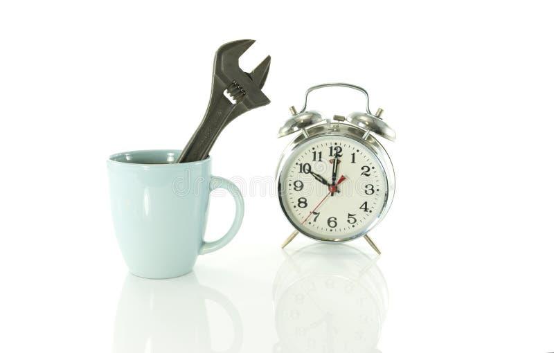 Ruptura de café durante o trabalho em dez fotografia de stock royalty free