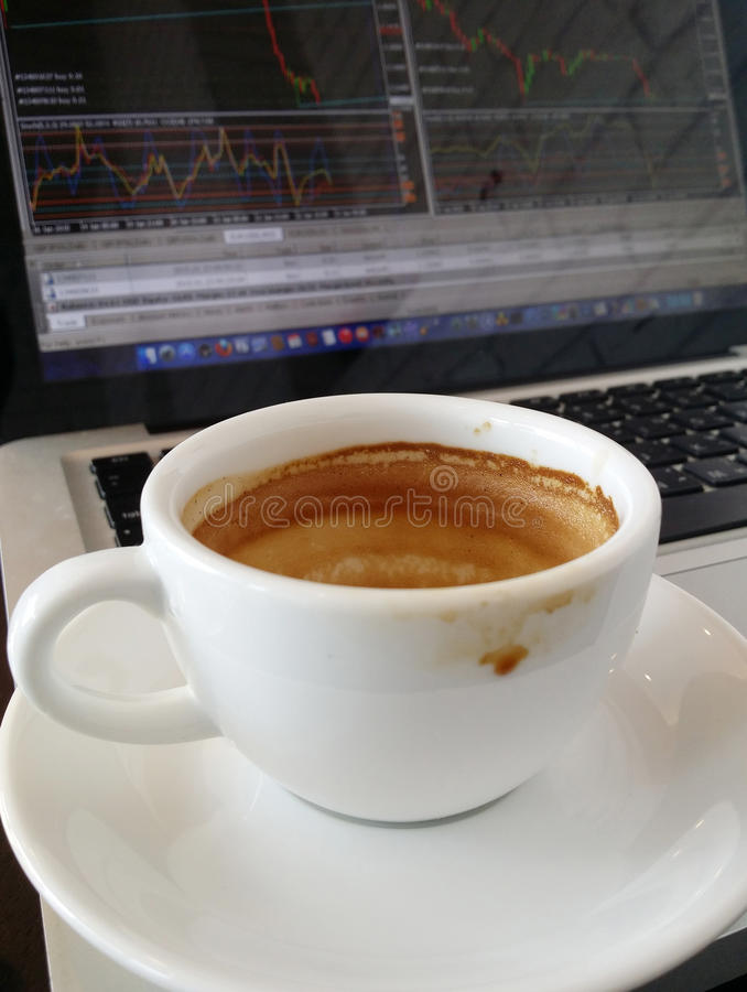 Ruptura de café na cafetaria fotografia de stock