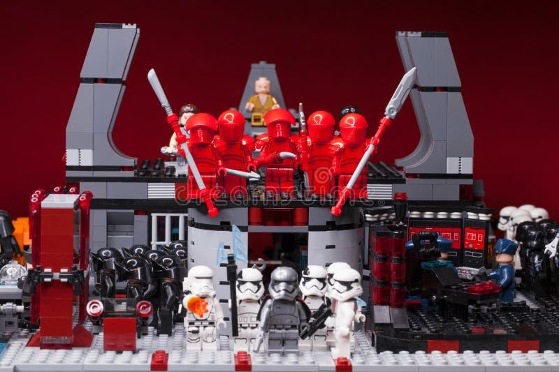 RUS, SAMARA - 8 Februari, 2019 Lego Star Wars Minifigures Star Wars - de Wacht van Elitepreatorian royalty-vrije stock afbeelding