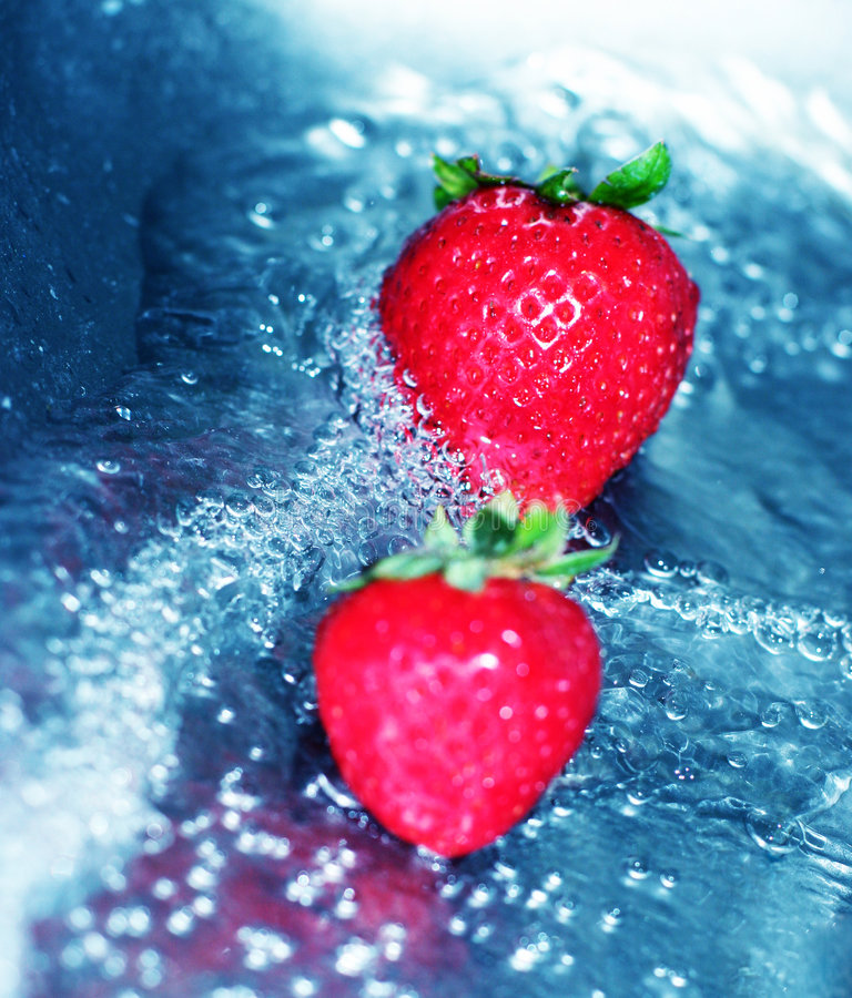Free Rushing Water With Strawberry 3 Royalty Free Stock Photography - 1087227