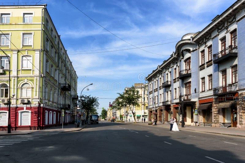 Rusia, Irkutsk - 6 de julio de 2019: La escuela de la música en la calle de Karl Marx Antes de que la revolución fuera casa de co imagenes de archivo