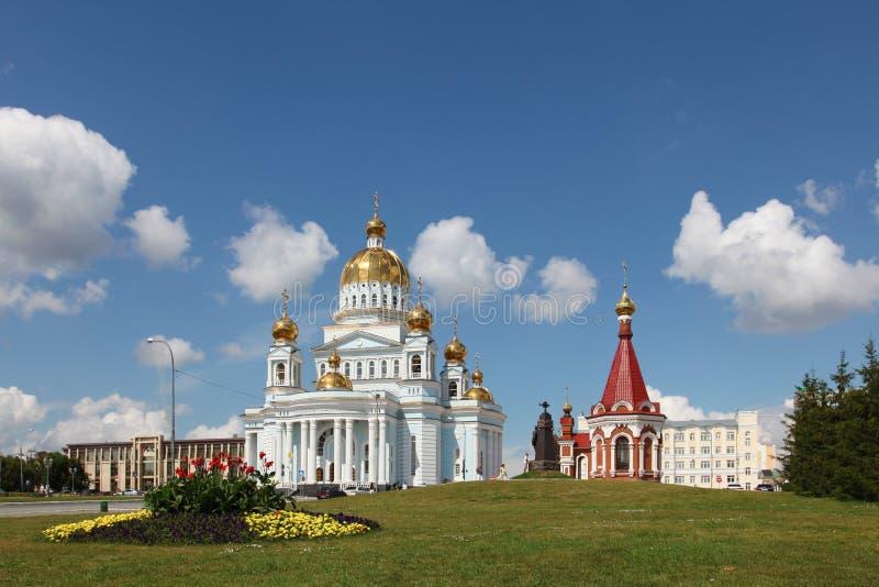 Rusia Saransk Catedral y capilla del ` s del St Theodor Ushakov imagen de archivo libre de regalías