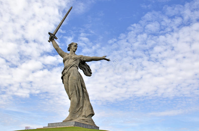 Rusia stalingrad Mamaev Kurgan ¡La Patria-madre del ` del monumento! ` imagen de archivo