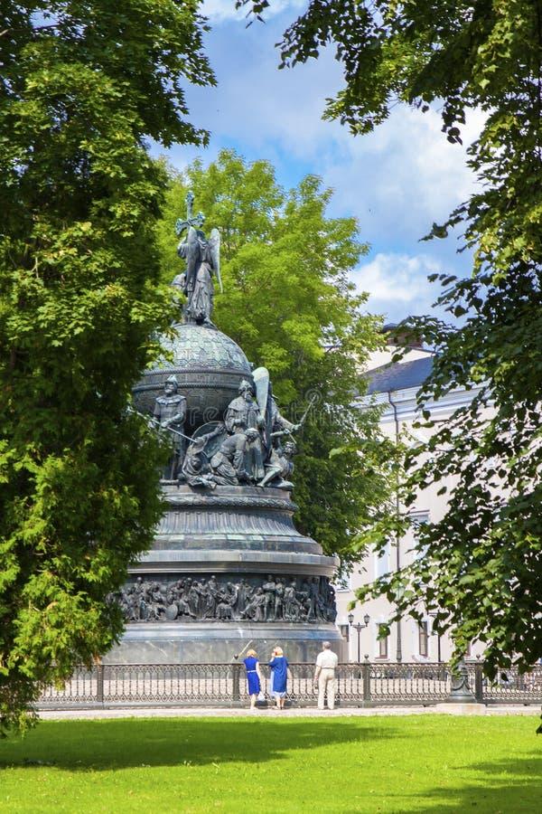 Rusia, Veliky Novgorod, 07 27 Monumento 2018, erigido en Veliky Novgorod en 1862 en honor del milésimo aniversario del foto de archivo libre de regalías