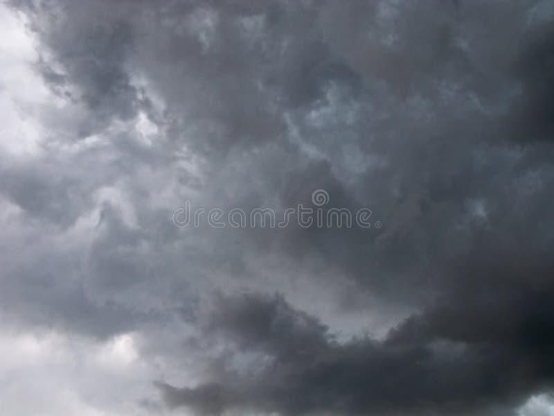 Ruskigt stormmoln royaltyfri fotografi
