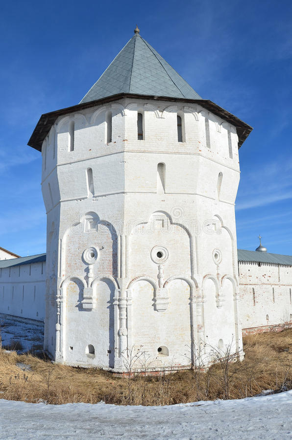 Rusland, defencive toren van oud klooster spaso-Prilutsky in Vologda royalty-vrije stock afbeelding