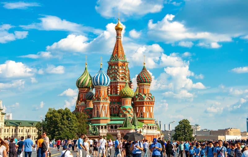 Rusland, Moskou 27 Juli 2019-St de Interventie van de Basilicums Kathedraal op Rood Vierkant stock fotografie