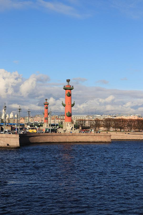 Rusland, Petersburg, 21 September, 2018 Pijl van Vasilyevsky Island royalty-vrije stock foto