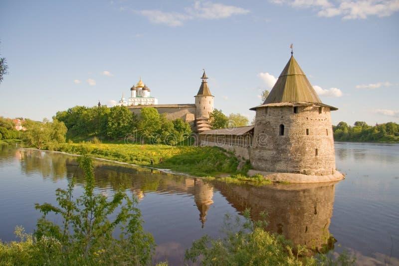 Rusland. Pskov het Kremlin (Krom) stock afbeeldingen