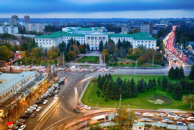 Rusland Rostov-op-trek aan Gagarinvierkant Don State Technical Unive stock afbeelding