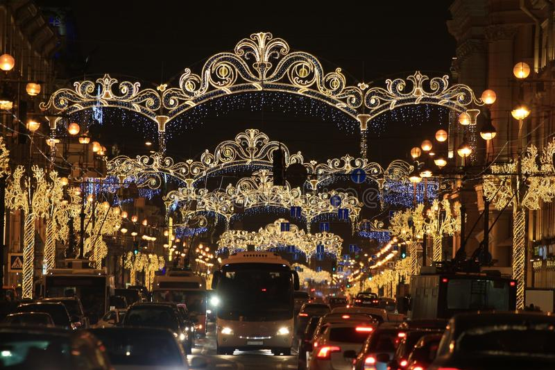 Rusland, St. Petersburg, verkeer op Nevsky Prospekt royalty-vrije stock afbeeldingen