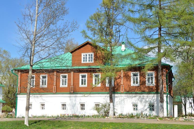Rusland, stad van Alexandrov, het oude Heilige klooster van het klooster svyato-Uspensky van Dormition eparchial, pastoriekwarten stock foto's
