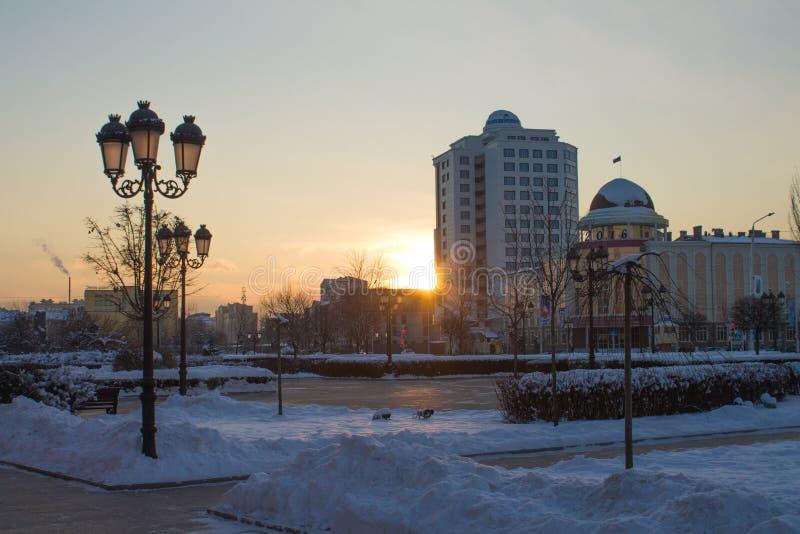 RUSLAND, Tchetchenië, Grozniy - Januari 5, 2016: - gang door Grozny van de binnenstad royalty-vrije stock foto