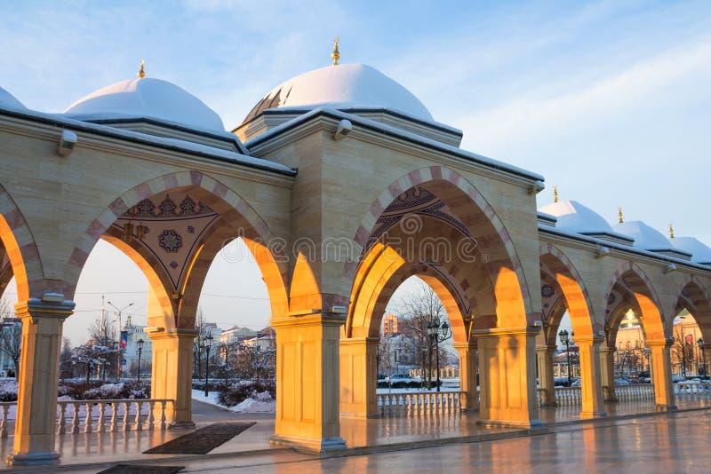 RUSLAND, Tchetchenië, Grozniy - Januari 5, 2016: - Hoofdmoskee van de Tchetcheense Republiek - Hart van Tchetchenië stock afbeelding