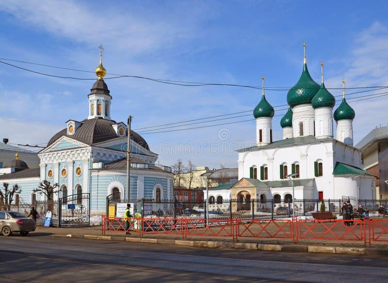 Rusland, 29 yaroslavl-Maart 2016 Kerk van Presentatie van Lord en de Kerk van de Beklimming royalty-vrije stock foto