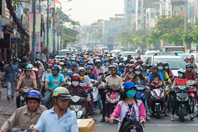 Rusningstid i Ho Chi Minch City, Vietnam arkivbild