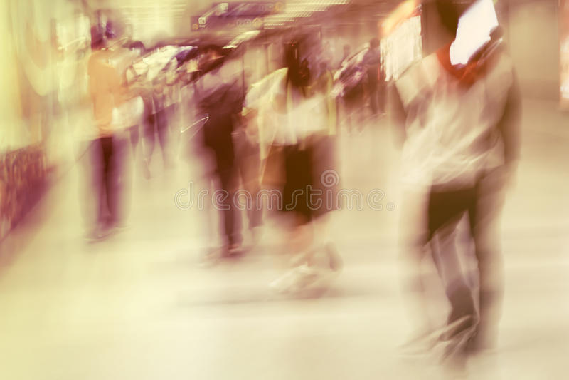 Rusningstider i tunnelbana royaltyfria bilder