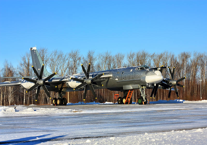 ` Ruso del oso del ` del bombardero Tu-95 imagenes de archivo