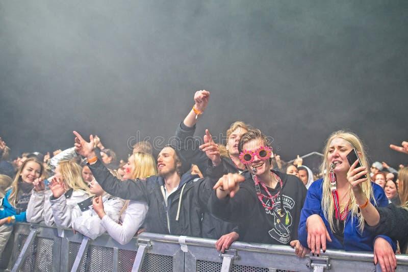 Russ-Live-Musik-Partei an Fredriksten-Schloss in Halden Norwegen stockfotografie