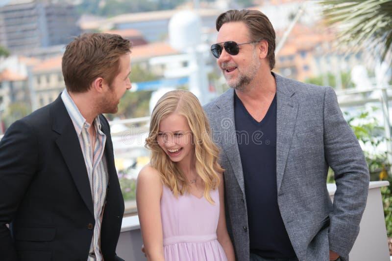 Russell Crowe Ryan Gosling, Angourie ris arkivbild