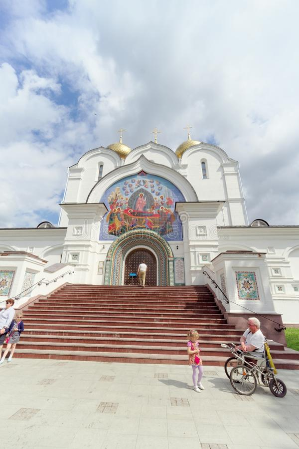 russia yaroslavl - Czerwiec 3 2016 1507 1533 przypuszczenie budujących katedralnych rok obrazy royalty free