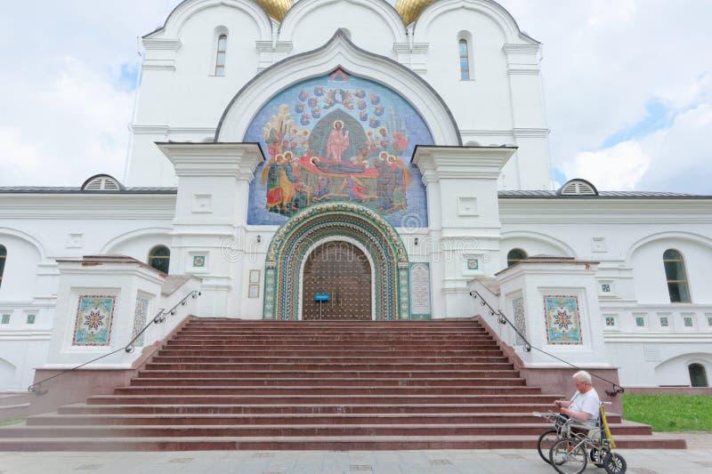 russia yaroslavl - Czerwiec 3 2016 1507 1533 przypuszczenie budujących katedralnych rok zdjęcia stock