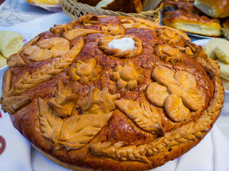 Download Russian Or Ukrainian Festive Bread With Salt Stock Image - Image: 33983429