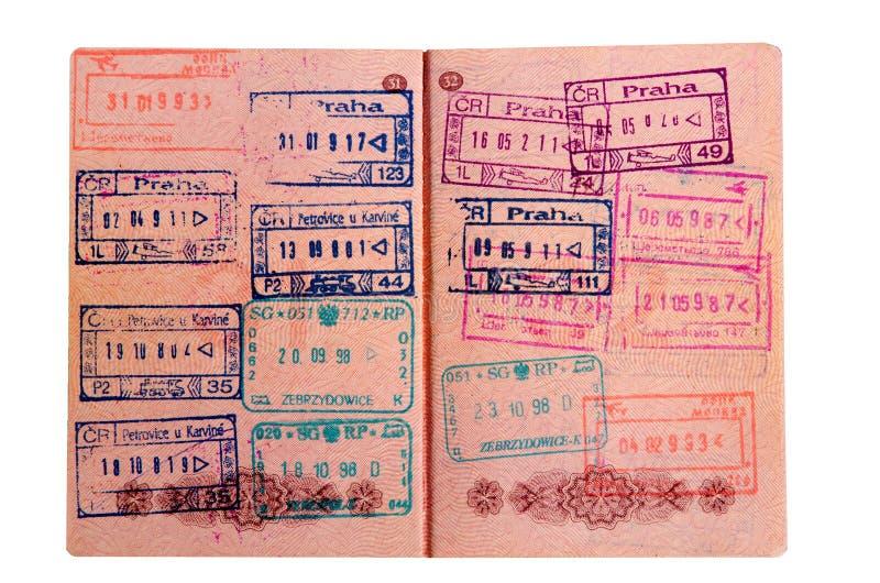 Russisch die paspoort bij de grensovergang wordt gestempeld royalty-vrije stock afbeeldingen