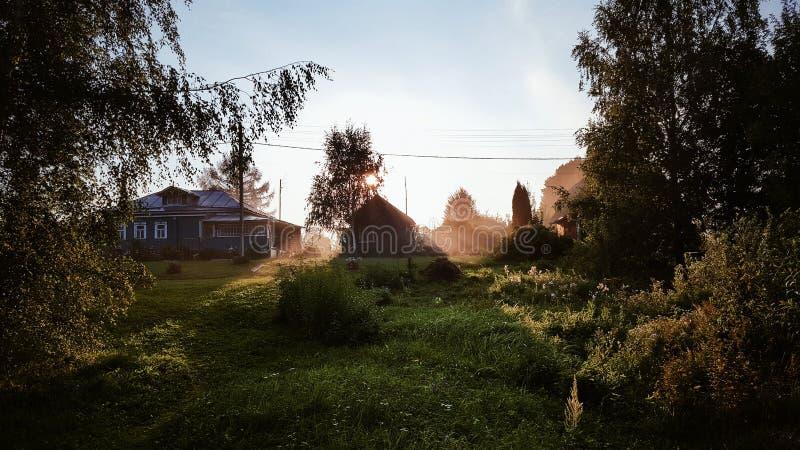 Russisch dorp stock afbeeldingen