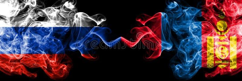 Russisch gegen Mongolei, mongolische Rauchflaggen nebeneinander gesetzt Dicke farbige seidige Rauchflaggen von Russland und von M stockbild