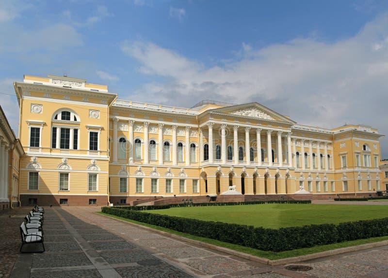 Russisch Museum. Het paleis Mikhailovsky. stock afbeelding